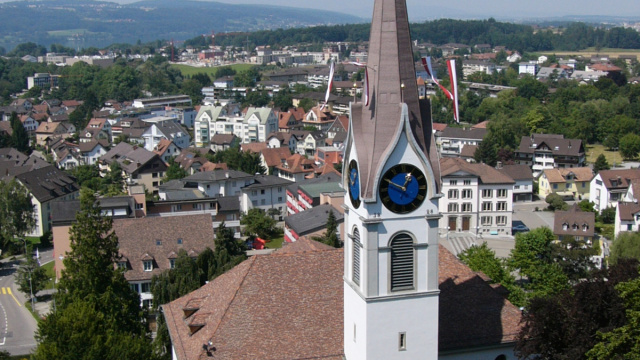 Kirche Uster —  Kirche aus der Luft<div class='url' style='display:none;'>/</div><div class='dom' style='display:none;'>refuster.ch/</div><div class='aid' style='display:none;'>6</div><div class='bid' style='display:none;'>121</div><div class='usr' style='display:none;'>74</div>